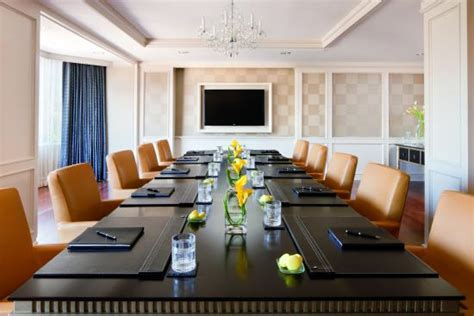Meeting rooms for rent peachtree offices atlanta, ga jpg 550x367