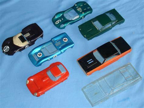 Slot car wikipedia jpg 2000x1500